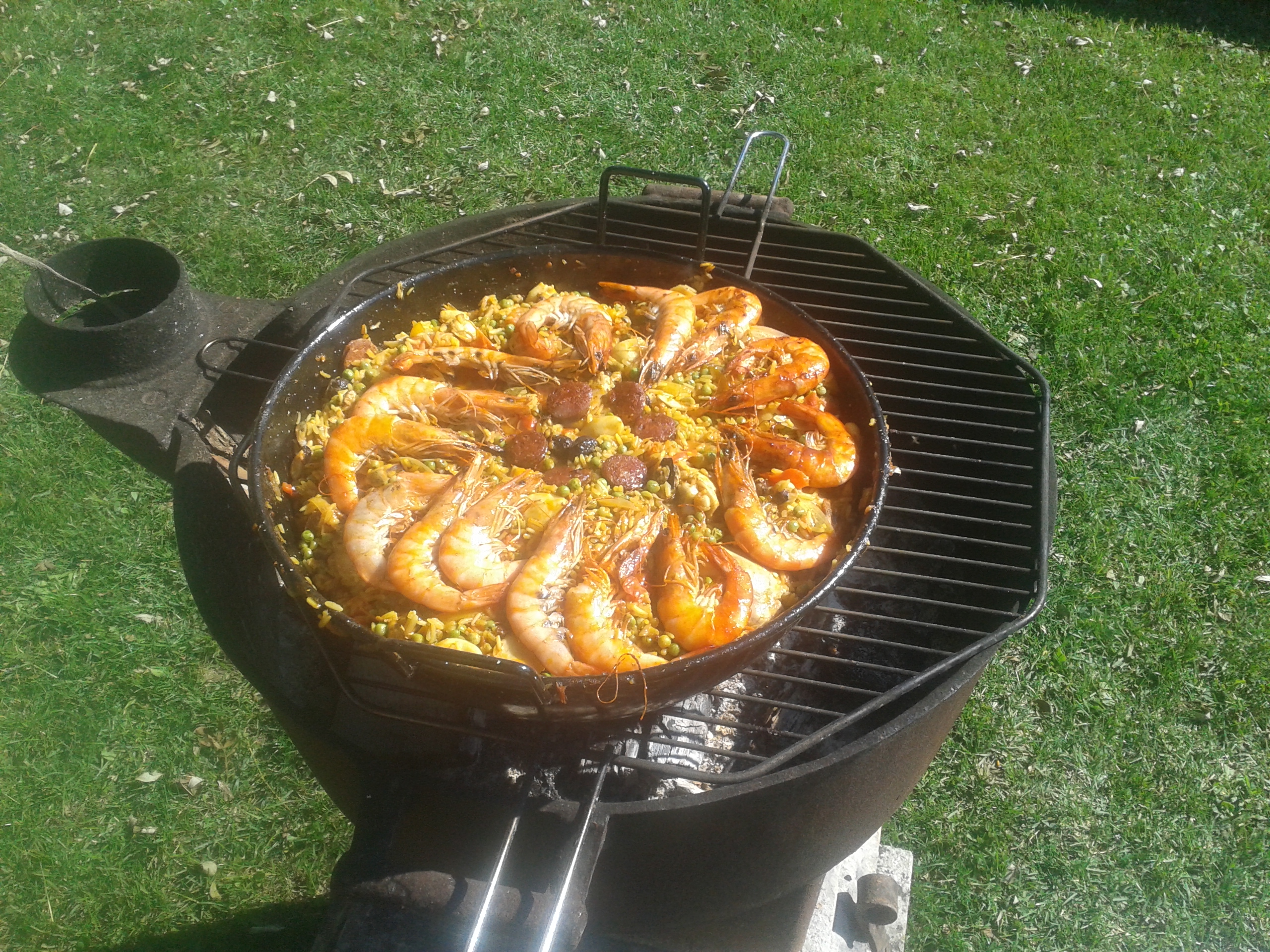 Paella au barbecue