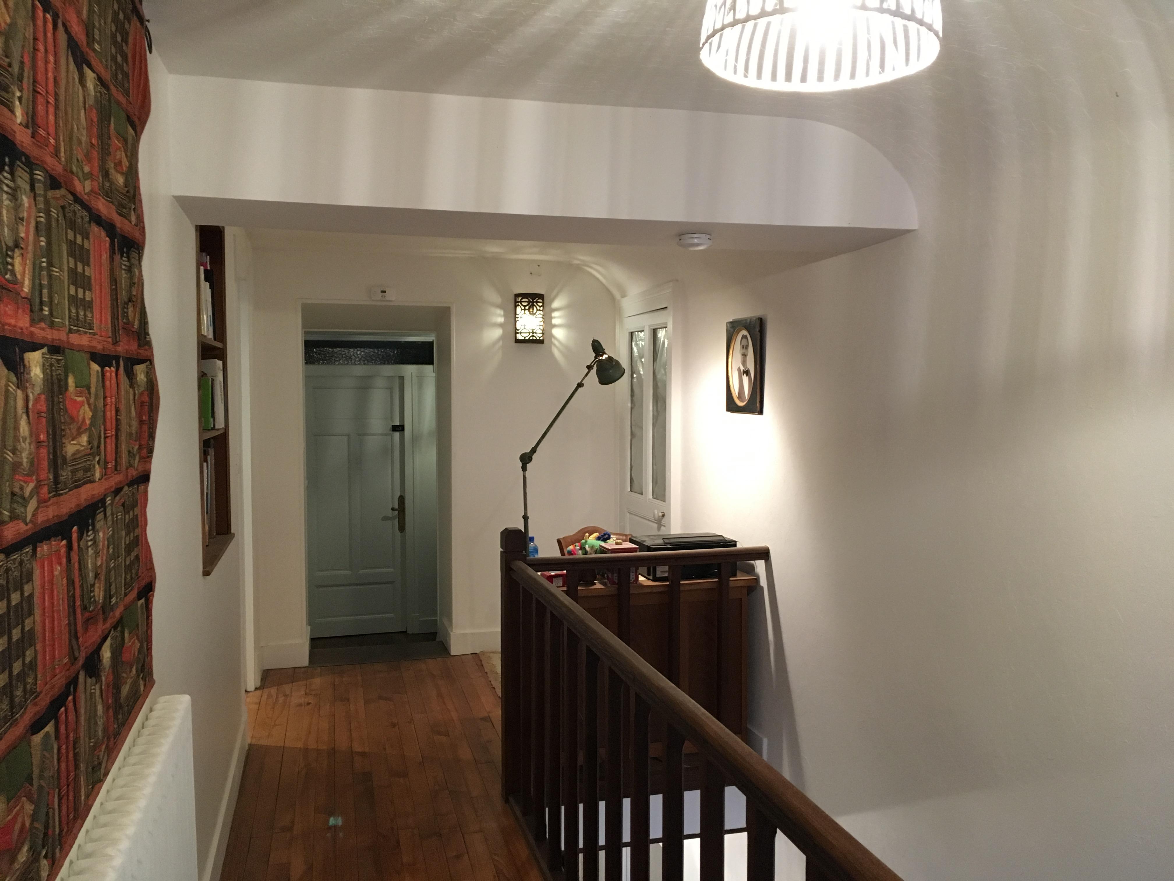 Le couloir menant aux chambres